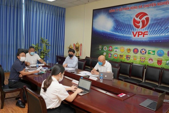 Chuyên gia hiến kế giúp V-League trở lại - ảnh 1
