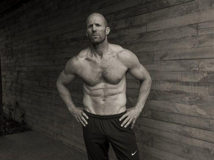 Jason Statham, The Rock làm gì để có cơ bắp cuồn cuộn?
