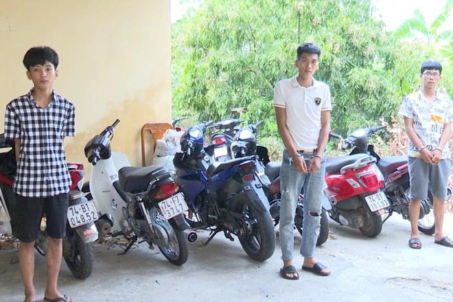 Bắt nam thanh niên tàng trữ ma túy, hé lộ băng nhóm trộm hàng loạt xe mô tô - ảnh 1