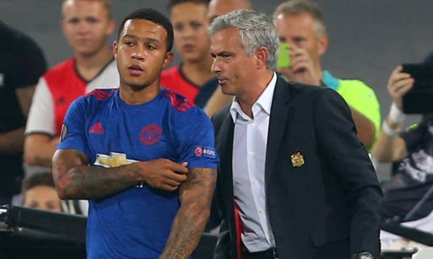Mourinho bất ngờ bảo vệ nạn nhân của mình ở M.U - ảnh 1