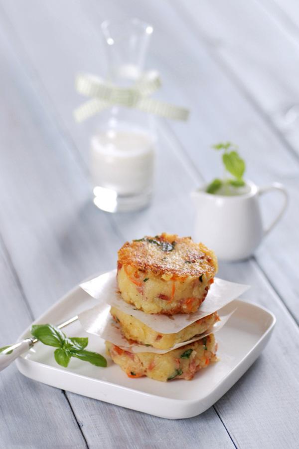 Bánh khoai tây chiên thơm phức cho bữa sáng - ảnh 1