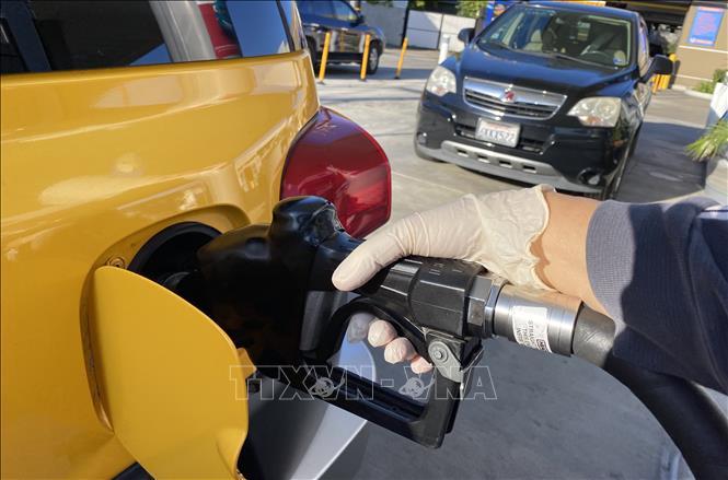 Giá dầu thế giới phục hồi ấn tượng nhờ kỳ vọng nguồn cung vẫn thắt chặt - ảnh 1