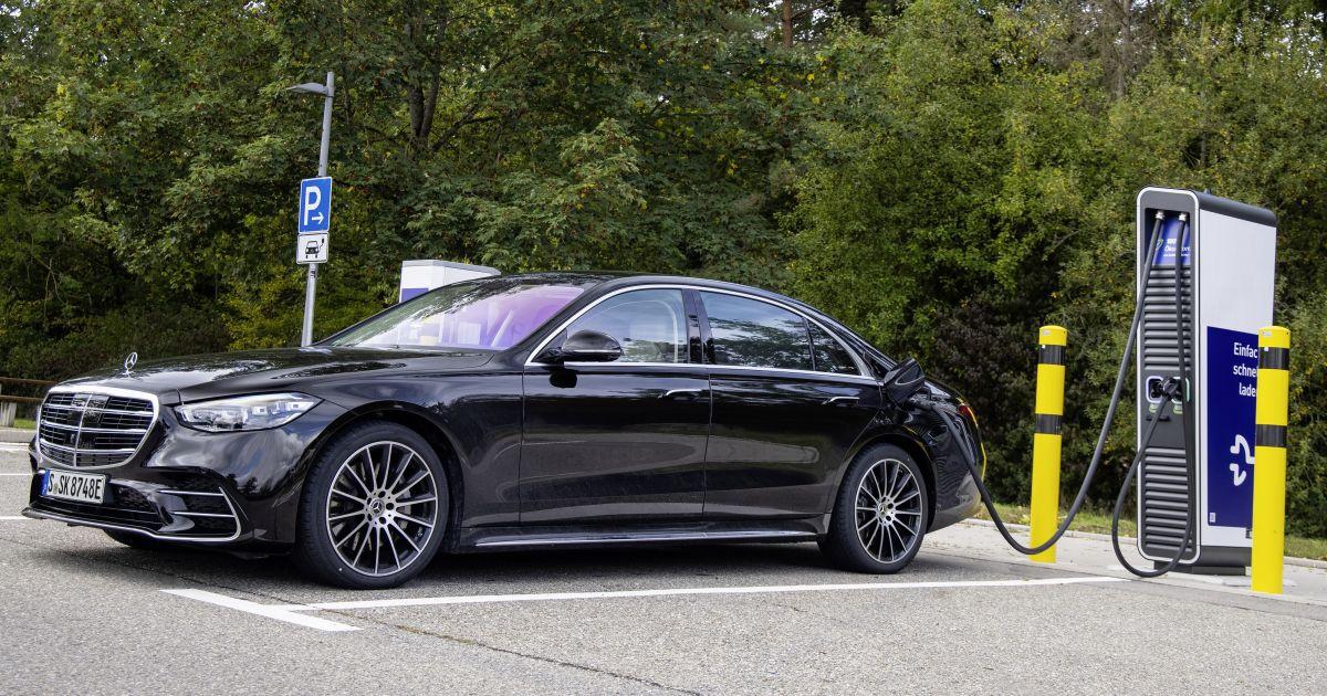 Mercedes-Benz S-Class 2021 bản hybrid có giá từ 146.000 USD