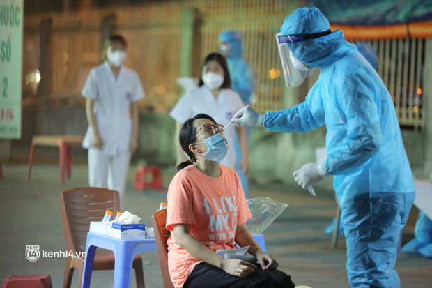 """Chùm lây nhiễm """"hết sức phức tạp"""" tại nhà thuốc Đức Tâm (Hà Nội): Đã có 11 ca dương tính, trong đó 1 người thường đến chợ thuốc lớn nhất miền Bắc"""