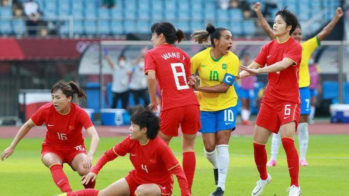 Brazil hạ Trung Quốc 5-0, Pele khen Marta hết lời - ảnh 1