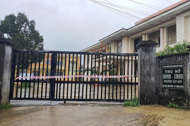 Gia Lai: Phong tỏa trụ sở phường liên quan ca nhiễm SARS-CoV-2 - ảnh 1