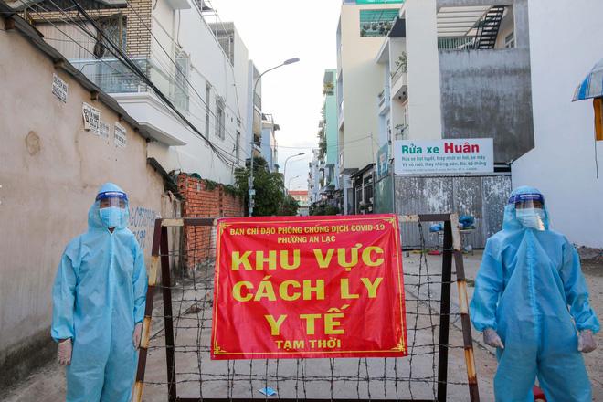 Số ca mắc mới tại TP.HCM giảm mạnh, Hà Nội nhanh chóng khoanh vùng 20 địa điểm có F0
