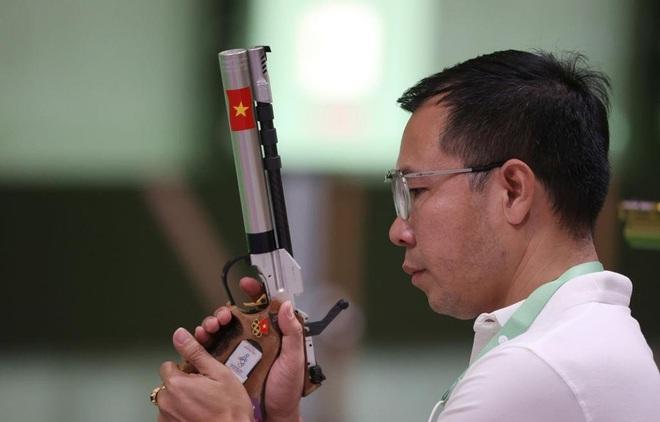 Hoàng Xuân Vinh: