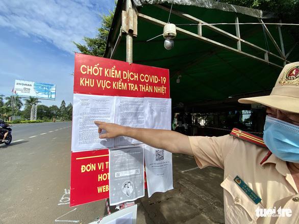 Qua Đắk Nông không giấy thông hành: ''Quay lại''! - ảnh 1