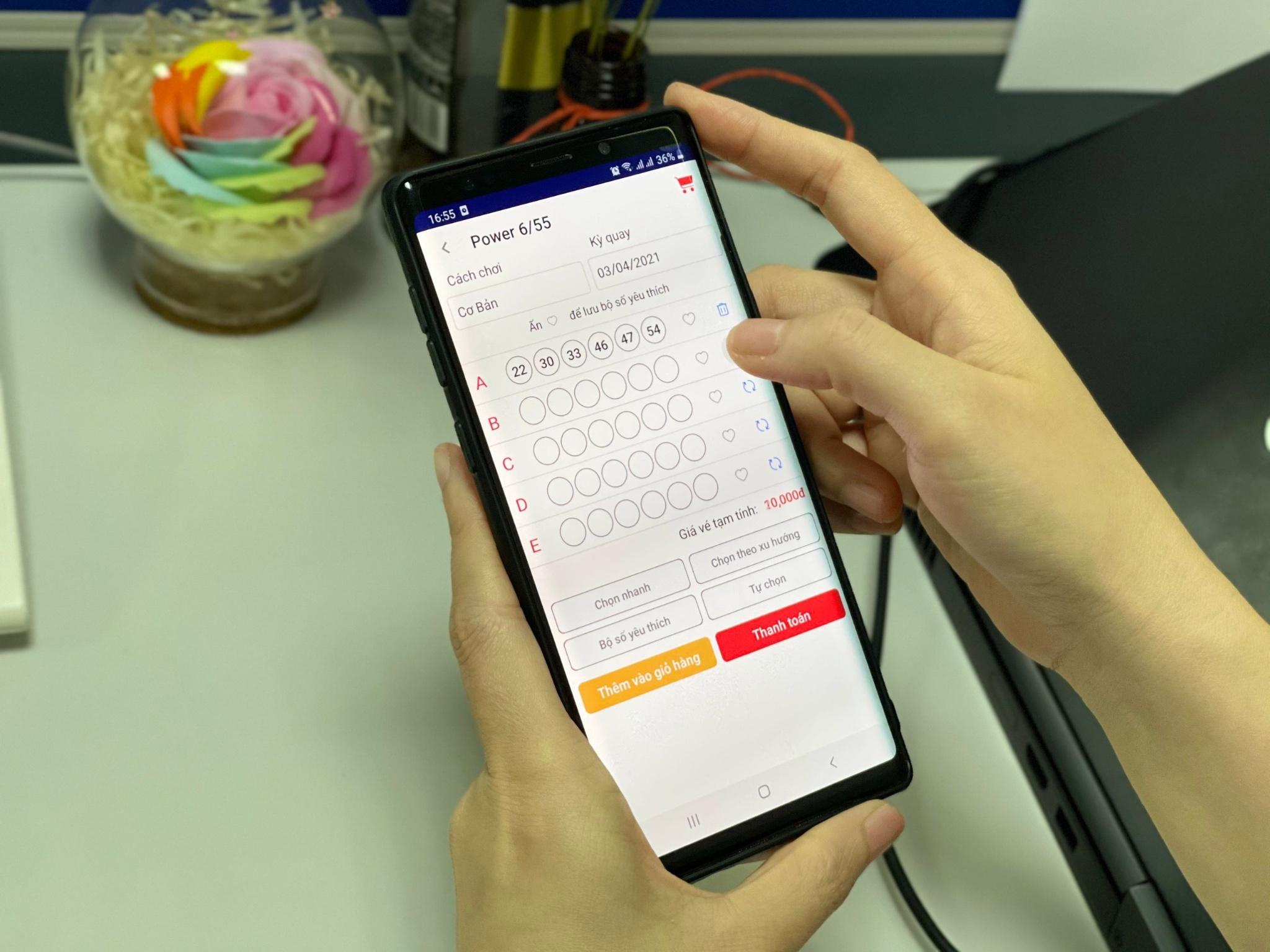 Gần 50 tỷ đồng trao cho người trúng qua Vietlott SMS