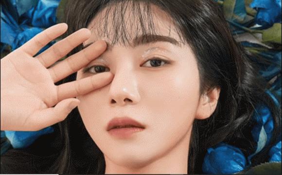 """Kwon Mina tự tử tại nhà riêng sau khi tố chị em cùng nhóm bắt nạt, netizen chia 2 phe xót xa và mỉa """"làm màu"""" vì nguyên nhân này"""
