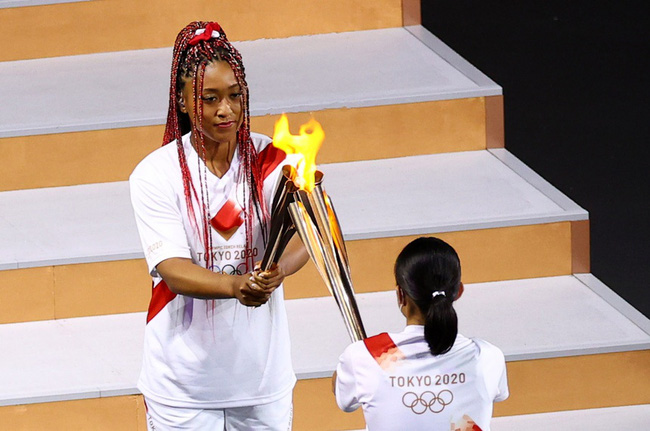 Chân dung nữ VĐV vinh dự thắp đuốc khai mạc Olympic Tokyo 2020: Tài giỏi, xinh đẹp và nói cảm ơn Meghan với lý do đặc biệt - ảnh 1