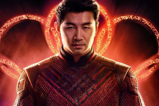"""Nam diễn viên đóng vai siêu anh hùng võ thuật Shang-Chi hóa ra cũng là """"fan cứng"""" của Liên Minh Huyền Thoại - ảnh 1"""