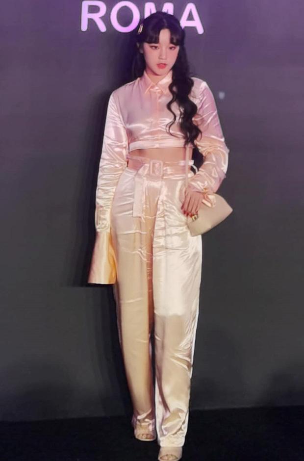 Nhìn Tống Vũ Kỳ đi event mà ăn mặc thế này, Fendi hẳn muốn lắm 1 lần
