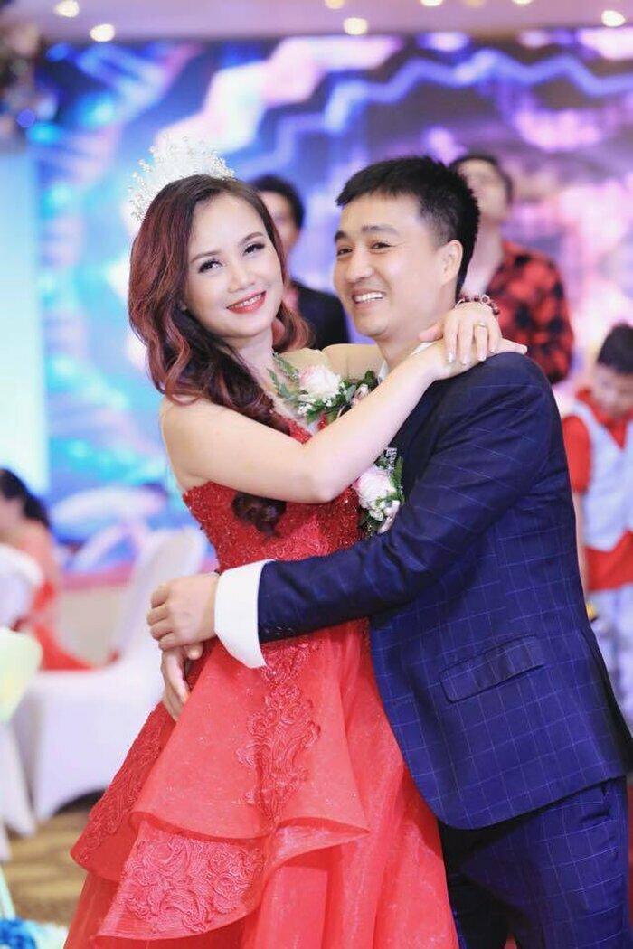 """""""Cô Xuyến"""" Hoàng Yến khoe nhan sắc đã hồi phục xinh đẹp sau khi bị chồng cũ đấm vỡ mũi"""