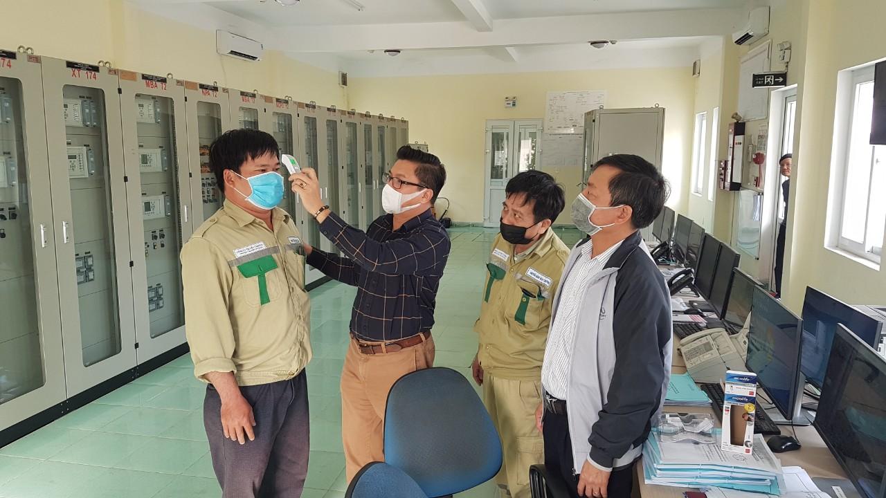 EVN thực hiện nghiêm các yêu cầu về phòng, chống dịch COVID-19 - ảnh 1