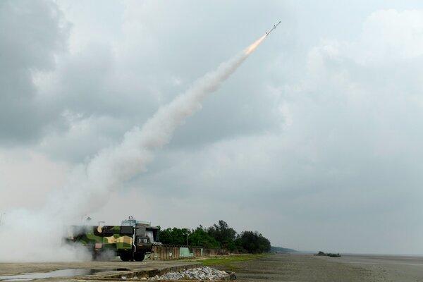 Ấn Độ thử thành công hàng loạt vũ khí nội địa mới - ảnh 1