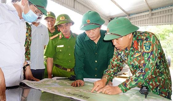 Chủ tịch tỉnh Thừa Thiên - Huế chỉ đạo công tác tìm kiếm cứu nạn tại Rào Trăng 3 - ảnh 1