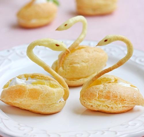 Cách làm bánh su kem hình thiên nga cực xinh