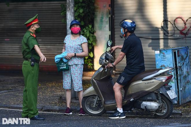 """Chủ tịch Hà Nội: """"Không phải khuyến cáo mà là yêu cầu nhân dân ở nhà"""""""