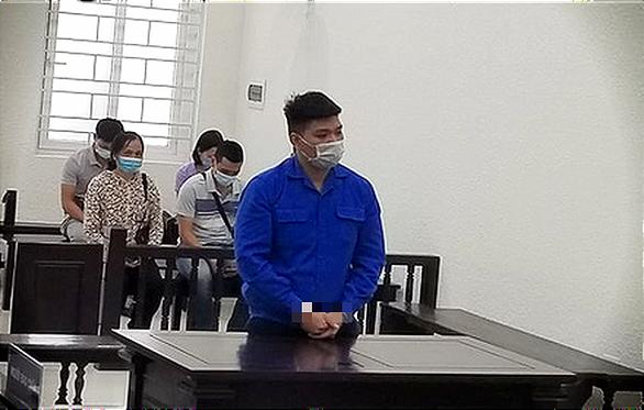 Cựu trung úy công an bị 30 tháng tù vì thử súng làm chết nam sinh viên