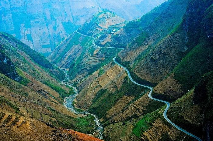 Những con đường đèo đẹp ở Hà Giang mời gọi phượt thủ chinh phục