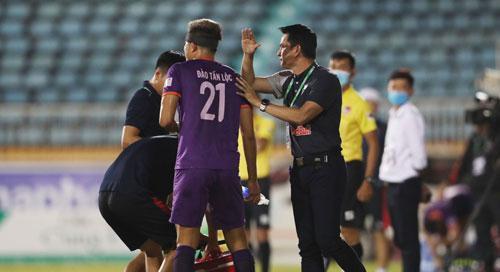 Các CLB không muốn hoãn V-League - ảnh 1