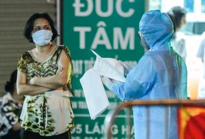 Đình chỉ kinh doanh của nhà thuốc để xảy ra lây lan dịch khiến 17 người mắc Covid-19 - ảnh 1