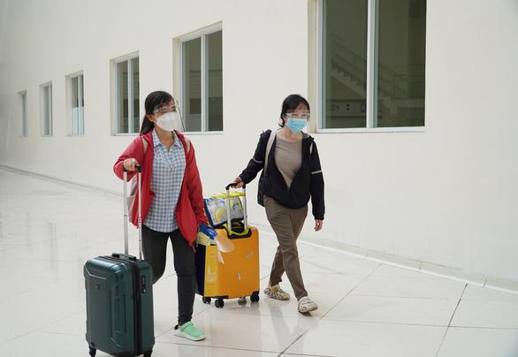 Sau lời kêu gọi của Thứ trưởng Nguyễn Trường Sơn, trên 1.300 lượt nhân viên y tế đăng ký chống dịch