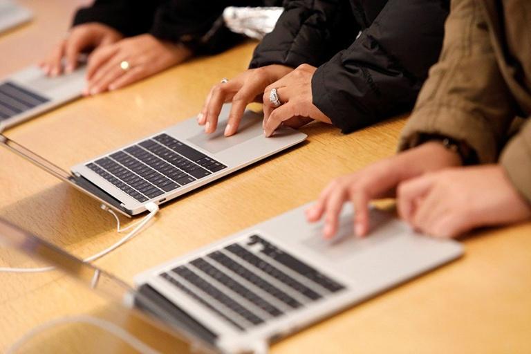 MacBook Air mới với màn hình Mini LED 13 inch ra mắt giữa năm sau - ảnh 1