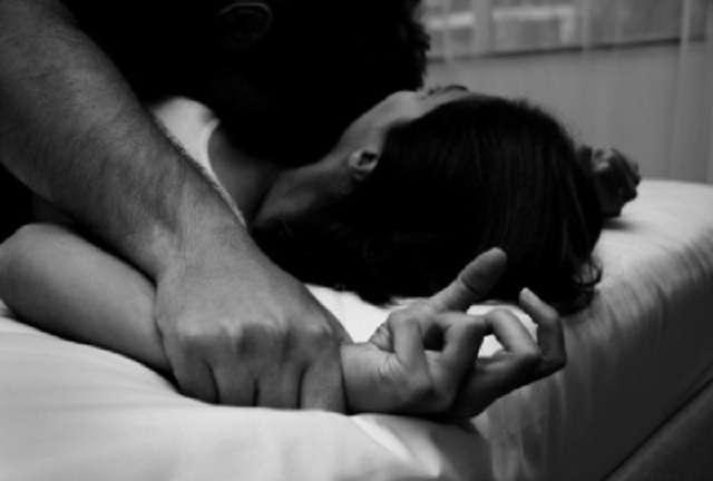 8 ngày địa ngục của cô gái bị chủ hiệu thuốc đánh thuốc mê, biến thành nô lệ tình dục - ảnh 1