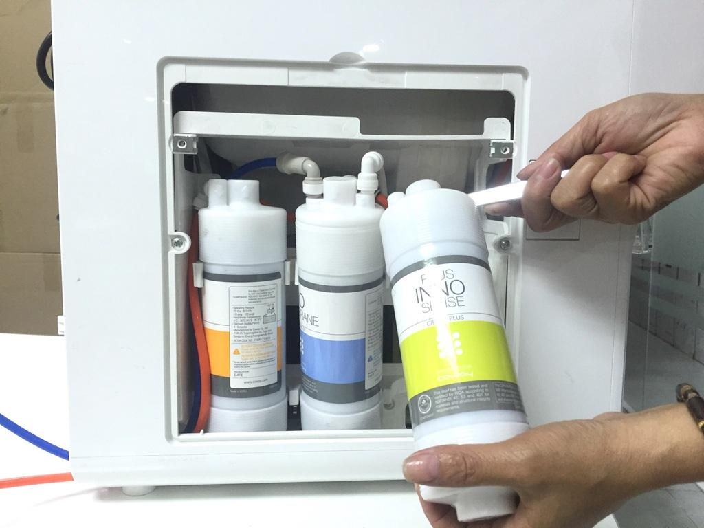 Bao lâu gia đình bạn nên thay lõi và vệ sinh máy lọc nước?