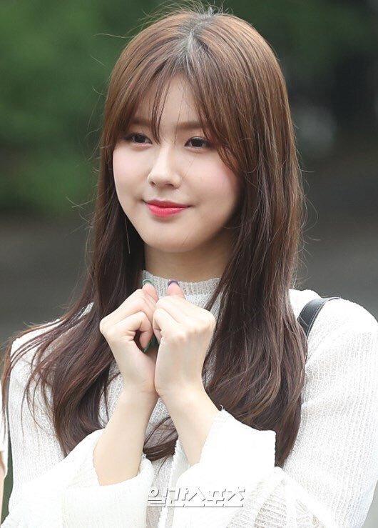 Mi Yeon (G)I-DLE đạt đỉnh cao nhan sắc nhờ giảm mỡ má, thu gọn cằm