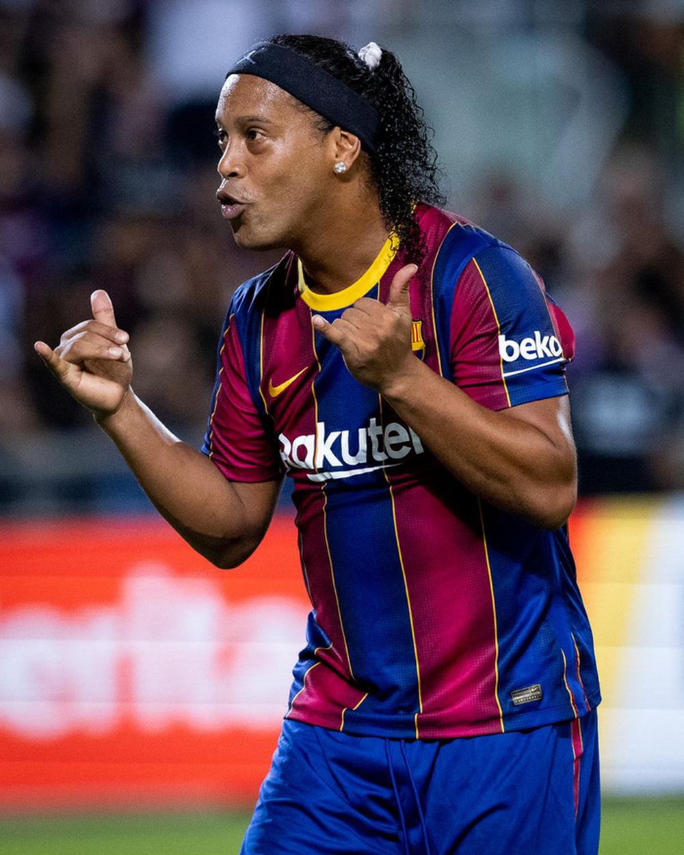 """Giao hữu huyền thoại Barcelona 2-3 huyền thoại Real Madrid: Ronaldinho, Rivaldo tạo """"mưa bàn thắng"""""""