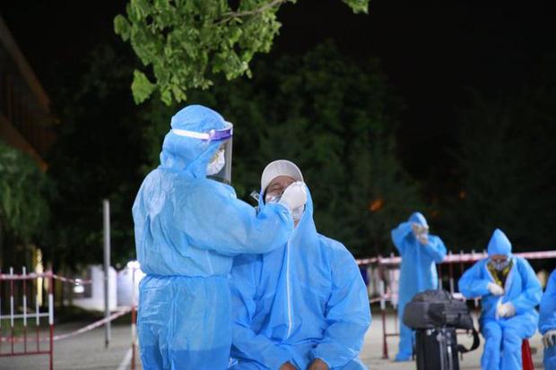 Ngày 23/7, Việt Nam ghi nhận 7.295 ca mắc COVID-19, riêng TP.HCM 4.913 trường hợp - ảnh 1