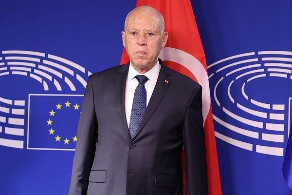 """Tổng thống Tunisia bất ngờ sa thải thủ tướng, """"đóng băng"""" quốc hội"""