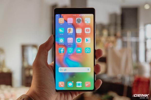 """CEO BKAV Nguyễn Tử Quảng hé lộ về Bphone 5: """"Chỉ 0,2mm thôi cũng đủ tạo ra sự khác biệt"""""""