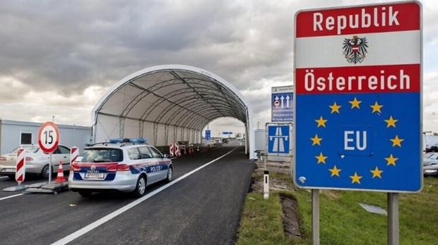 Áo triển khai binh sỹ tới biên giới ngăn chặn dòng người di cư bất hợp