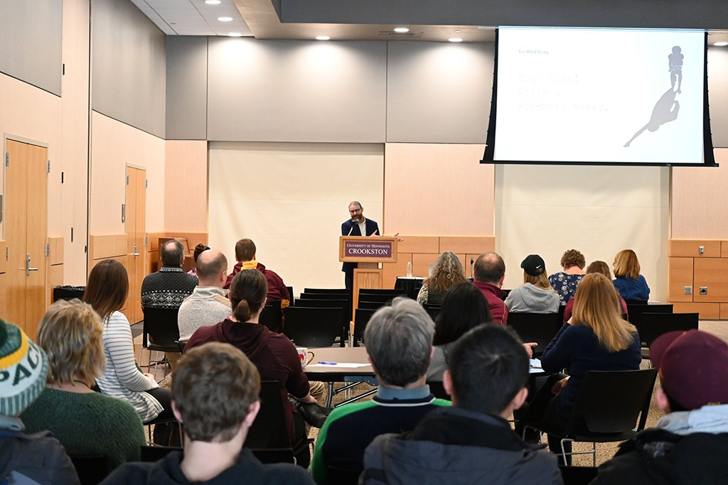 Học cử nhân Ngôn ngữ Anh liên kết ĐH Minnesota Crookston và ĐH KHXH&NV TP.HCM - ảnh 1