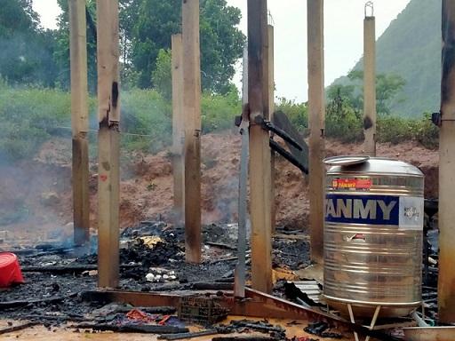 Hỏa hoạn thiêu rụi nhà dân khiến con gái tử vong, bố bị bỏng nặng - ảnh 1