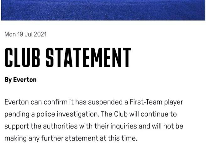 Vợ sao Everton bỏ nhà khi chồng bị bắt vì tội ấu dâm - ảnh 1