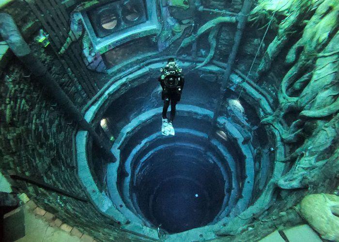 Bể bơi sâu nhất thế giới - ảnh 1