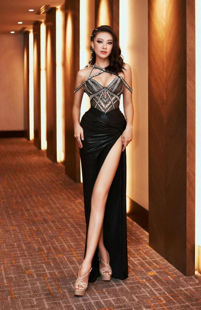 Á hậu Kim Duyên bật mí quá trình chuẩn bị cho Miss Universe, ekip đi theo cực choáng