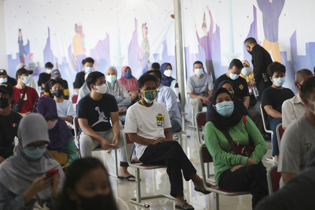 Indonesia: Gần một nửa dân số thủ đô Jakarta mắc COVID-19