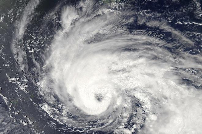 Siêu bão sắp nhắm thẳng vào kho dầu chiến lược của Trung Quốc - ảnh 1