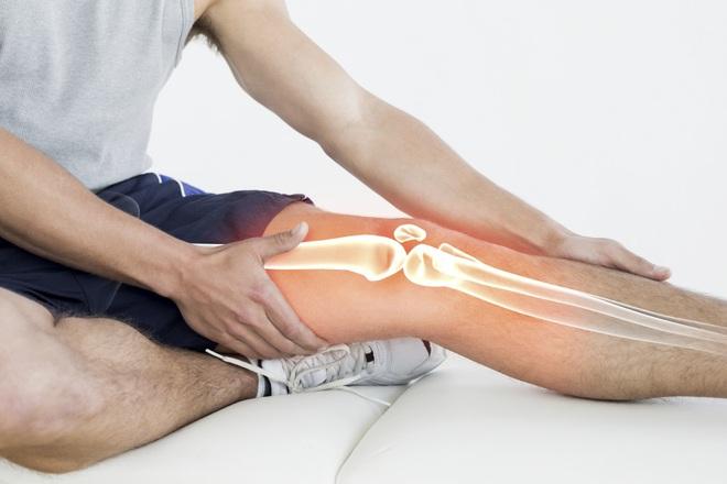 Đau nhức xương khớp về đêm: Cảnh giác với bệnh ung thư nguy hiểm - ảnh 1