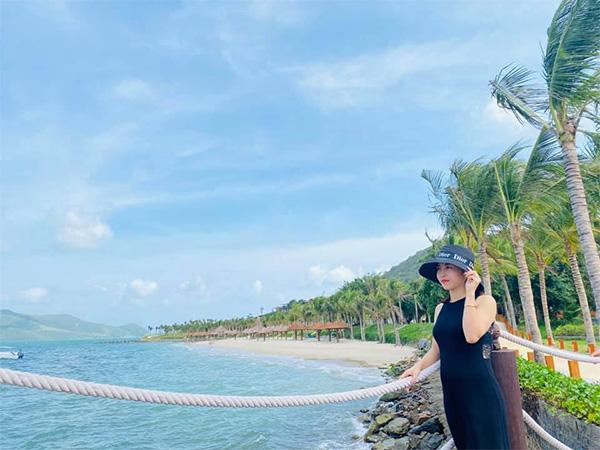 Cô chủ 9X Đỗ Thị Thanh Tâm bén duyên trở thành hot streamer bán hàng online chuyên nghiệp - ảnh 1