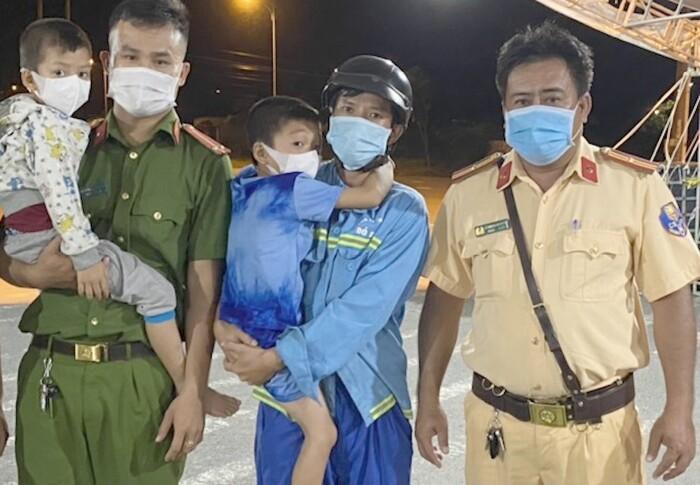 Nhớ cha, hai đứa trẻ đi bộ từ Hậu Giang đến Cần Thơ để tìm gặp nhưng bị lạc đường