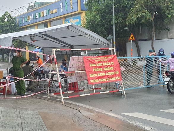 Phong tỏa phường 21, quận Bình Thạnh do có 252 ca COVID-19 - ảnh 1