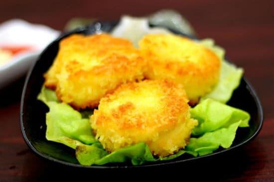 Hướng dẫn cách làm đậu hũ trứng chiên xù thơm ngon đơn giản tại nhà - ảnh 1